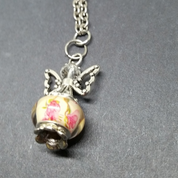 NWOT Guardian Angel Necklace Vintage Floral Bead